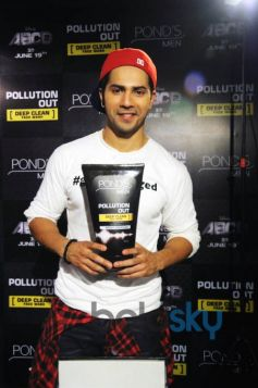 Varun Dhawan At The Launch Of Ponds Men Pollution Out Deep Clean Face Wash