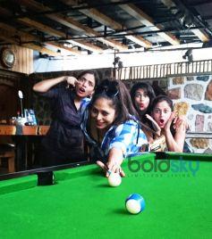 Geeta Kapoor And Friends Celebrated Her Birthday At TAP Resto Bar  Andheri