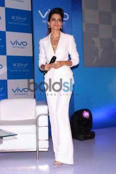 Kangana Ranaut At Launch Of Vivo Mobile In New Delhi