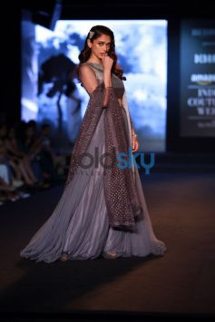 Aditi Rao Was The Showstopper At AIFW 2015