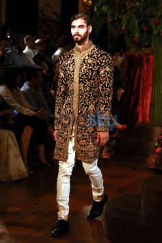 Designer Rohit Bal Show At AIFW 2015