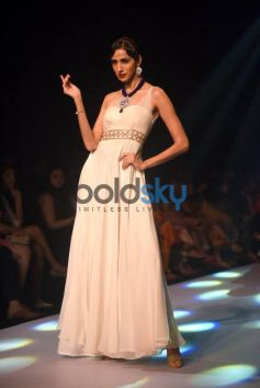 IIJW 2015 - Day 2 Soha Ali Khan For Surya Gold