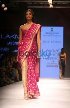 LFW Day 2 - Aditi Rao Hydari Walks For Ritu Kumar