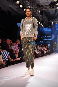LFW Day 4 - Mrinalini Chandra, Nitin Chawla Show