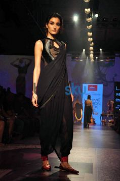 LFW day 5 - Tarun Tahiliani Show