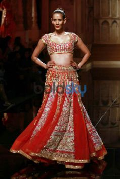 Opening Show By Abu Jani-Sandeep Khosla At IBFW 2015