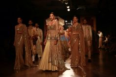 Rimple And Harpreey Narula Show, At AIFW 2015