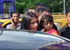 Aishwarya Rai Bachchan Visits Siddhivinayak Temple