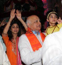 Shilpa Shetty, Divya Dutta At ISKCON Temple