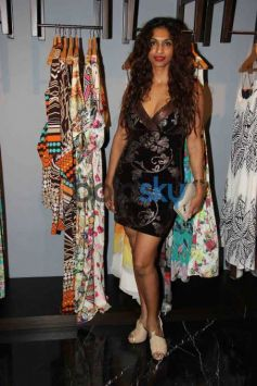 Amy Billimoria Unveils Festive AW 2015 Collection