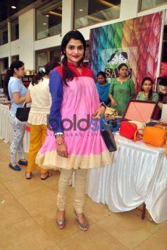 Athiya Shetty, Suniel Shetty & Mana Shetty At 'Araaish Exhibition'