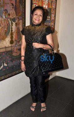 Kangana Ranaut Unveils Forever Eternal Pichwais