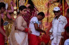 Vidya Balan Visits Biswajeet's Durga Puja Pandal