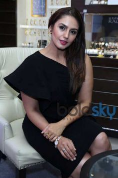 Huma Qureshi Launches The Moonlight Collection By Titan Raga