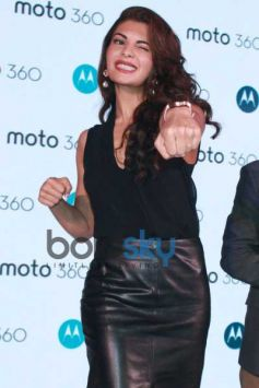 Jacqueline Fernandez Launches 'Moto 360' Smart Watch