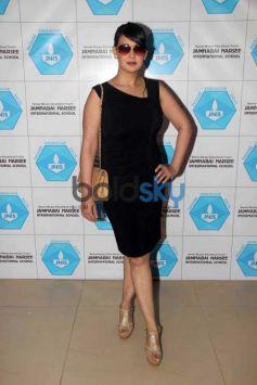 Raveena Tandon At Jamnabai Narsee International School Event