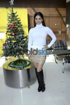 Sunny Leone During The Trailer Review Of Film Mastizaade