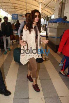 Alia Bhatt Snapped At Domestic Airport