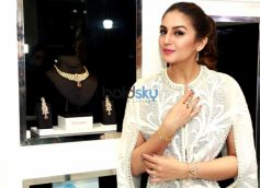 Huma Qureshi Launches New Jewellery Edition Nazraana