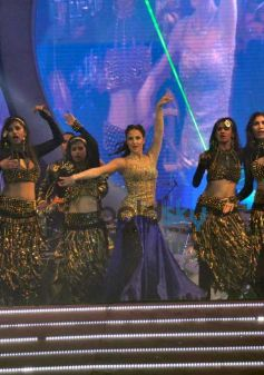 Kareena, Sonam And Karishma Tanna Dazzle On Stage At Saifai Mahotsav