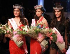 Esha Gupta Attended Grand Finale Of Fbb Femina Miss India 2016