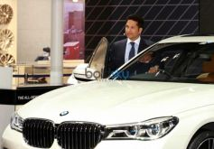 Sachin Tendulkar Launches New BMW 7-Series At Auto Expo