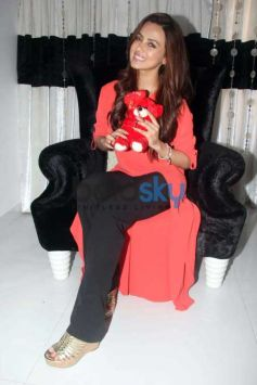 Valentine's Special Media Interaction With Sana Khan