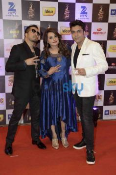 Celebs At 8th Radio Mirchi Music Awards 2016