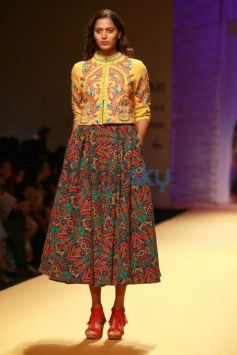Designer Reynu Taandon Collection At AIFW 2016