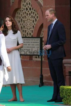 Prince William, Wife Kate Pay Respect To Gandhi In India