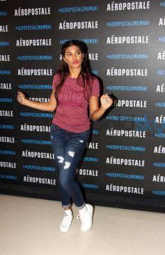 Jacqueline Fernandez Launches Store Aeropostale