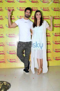 Shahid & Alia Snapped Promoting Udta Punjab At Mehboob Studio