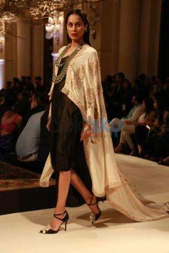 Designer Anamika Khanna Show At ICW 2016