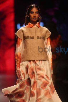 Aartivijay Gupta Show At Lakme Fashion Week Winter Festive 2016