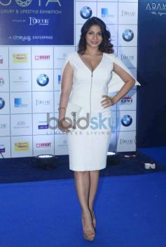 Hrithik Roshan And Other Celebs At Joya Exhibition Launch