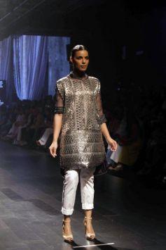 Paridhi Jaipuria Show At Lakme Fashion Week 2016