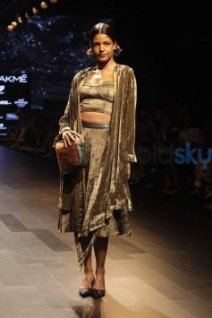 Rara Avis By Sonal Verma Show At Lakme Fashion Week Winter Festive 2016
