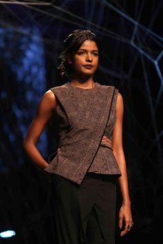 Tarun Tahiliani Show At  Lakme Fashion Week Winter Festive 2016