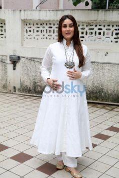 The Gorgeous Kareena Kapoor Glows In A White Anarkali