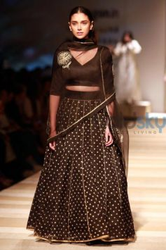 Aditi Rao Hydari Walked The Ramp At AIFW Opening Show