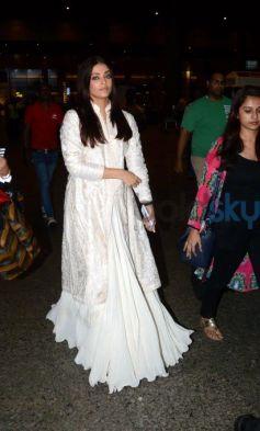 Aishwarya Rai In Rohit Bal Lehenga