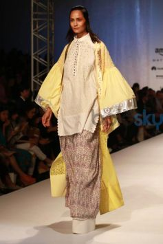 Designer Amit Aggarwal Collection At AIFW Spring Summer 2017