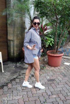 Malaika Arora Khan Rocks Checks Tshirt