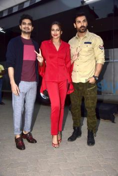 Sonakshi Sinha Looks Lovely In Red Dress For Force 2 Promotions