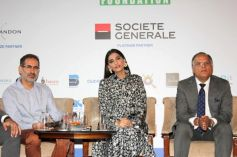 Sonam Kapoor Attends Fight Hunger Foundation Event