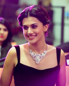 Taapsee Pannu At Phoenix Autumn Winter Fashion Show 2016
