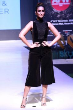 Ileana DCruz Walking The Ramp At Ambience Fashion Weekend