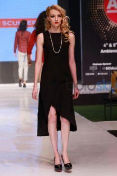 Ileana DCruz Walking The Ramp At Ambience Fashion Weekend