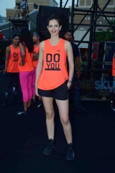 Jacqueline Fernandez, Kalki Koechlin Participate In The Abdominal Plank Position For 60Sec