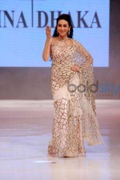 Karishma Kapoor In Rina Dhaka At Ambience Fashion Weekend